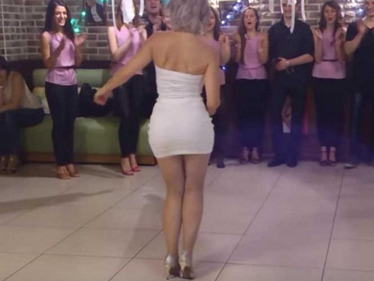 У мужчин от этого танца сносит голову!