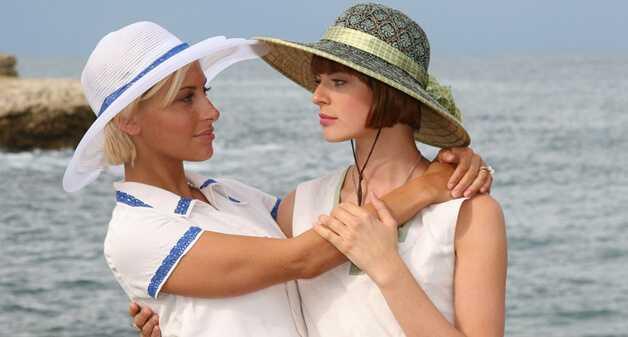 По советам психолога Натальи Грейс, мы предлагаем вам список из фильмов , который стоит посмотреть каждой женщине.