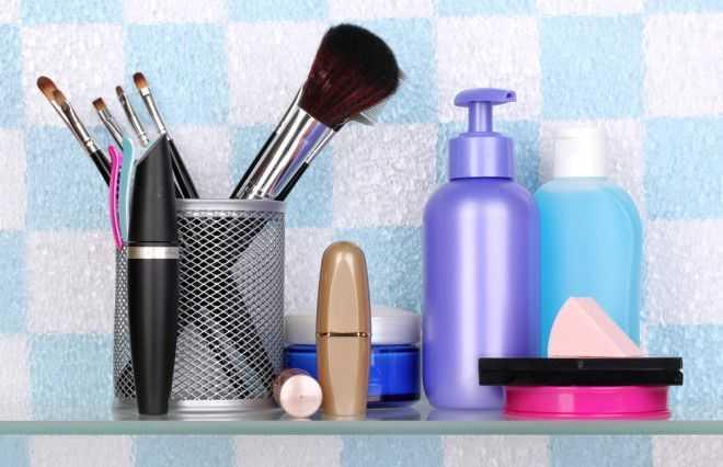 Список вещей, которые лучше хранить в любой другой комнате, кроме ванной