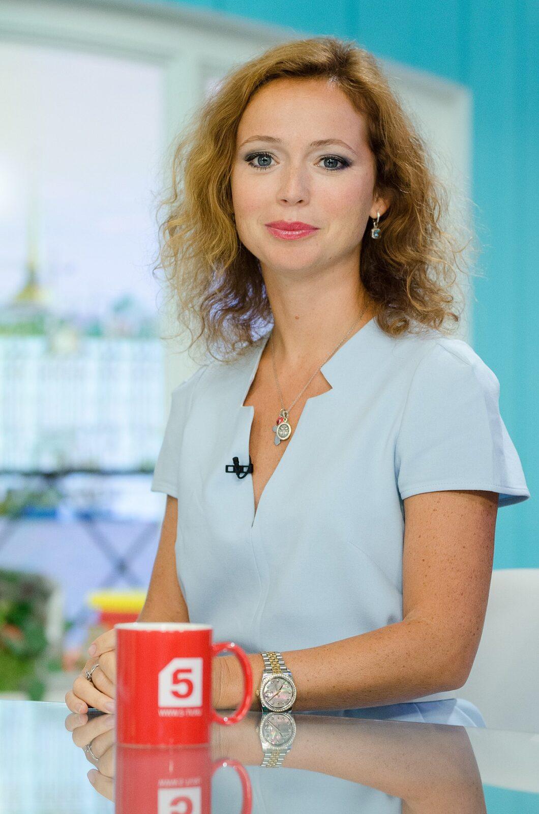 Мамой стала Елена Захарова