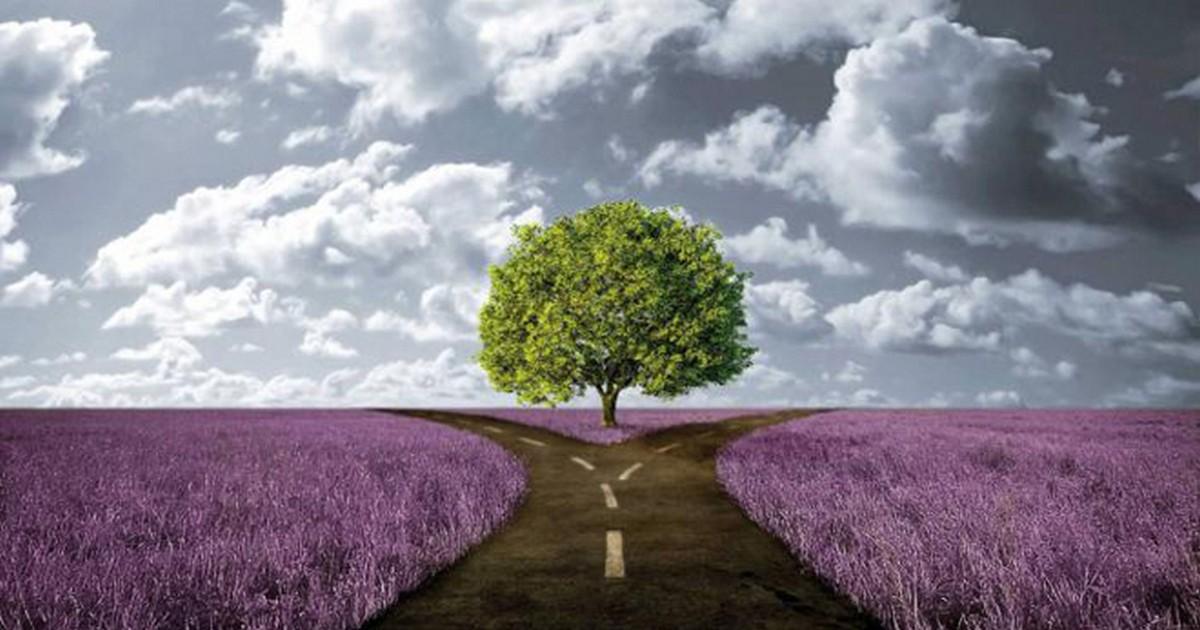 Когда человек не следует своей судьбе, он делает счастливыми других людей