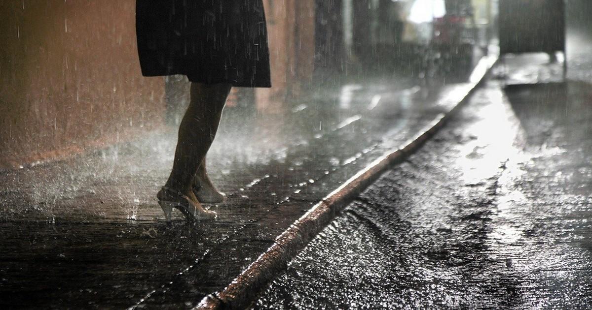 «В нашем городе дождь» Евгений Евтушенко